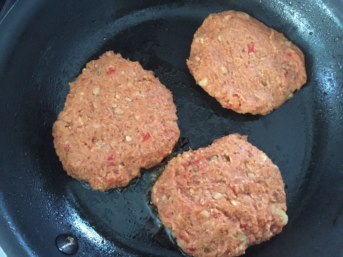 Roasted Red Peppers Chickpea Burgers in the Pan