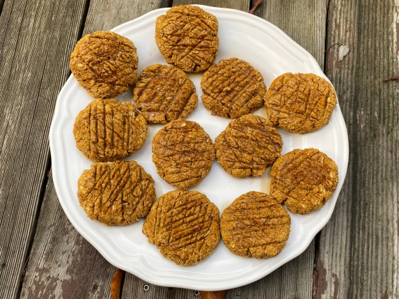 Gluten-free Pumpkin Cookies, via Eat the Vegan Rainbow